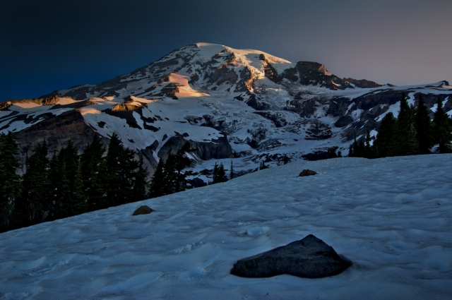 Mount Rainier at first light - Above Paradise
