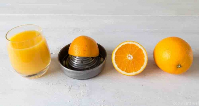 Juicer and orange