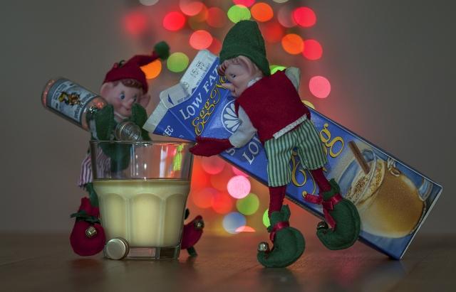 Xmas Spirit Shelf Elf Style