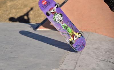 joker skateboard.jpg